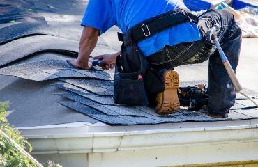 D & S Slaters & Roof Tilers logo